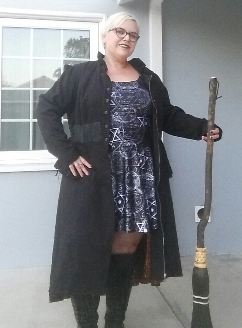 Outfit of the Day: Long Coat and Goth Wear